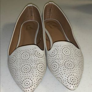 Worn once- REPORT off white flats